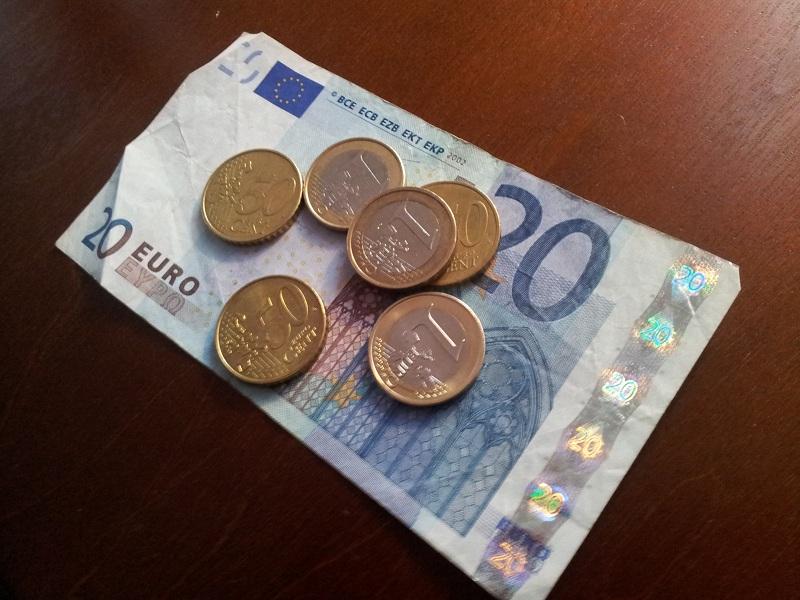 Euro Schein und Münzen