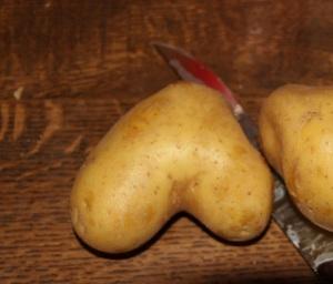 Unförmige Kartoffel