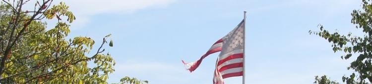 Zerfledderte US Flagge