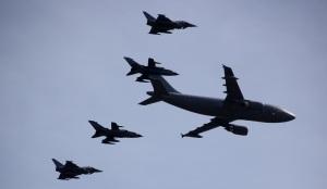 Flugzeuge begleiten