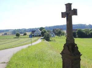 Kreuz mit Jahreszahl