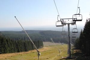 1-21 Sessellift Schneise im Wald Wurmberg