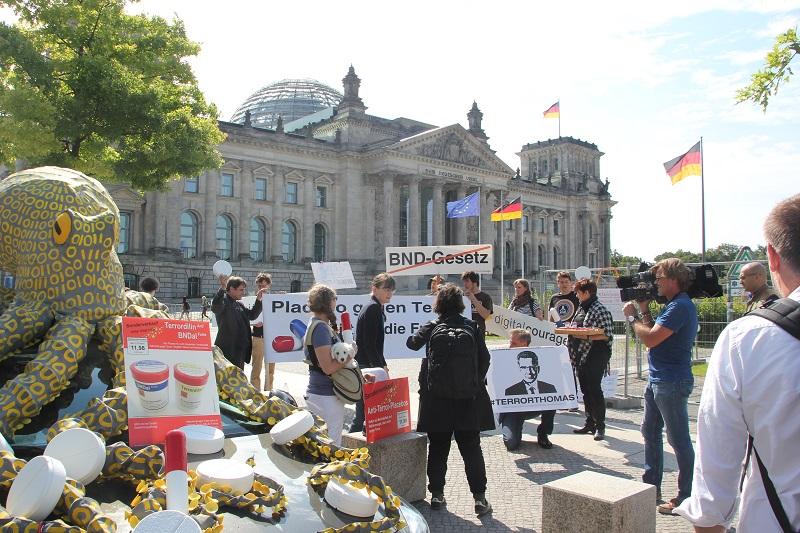 Demonstration Digitalcourage vor Bundestag