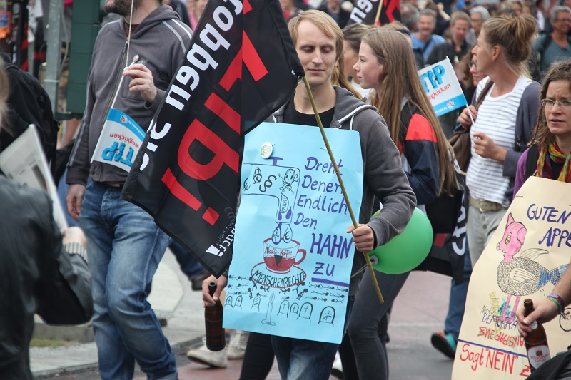 ceta-demo-berlin-junges-demonstranten