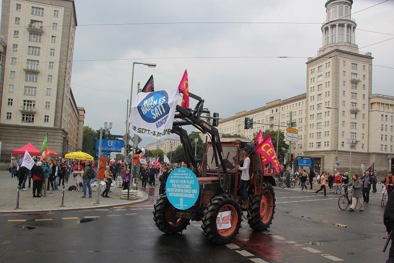 ceta-demo-berlin-traktor