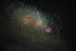 sterne-und-feuerwerk