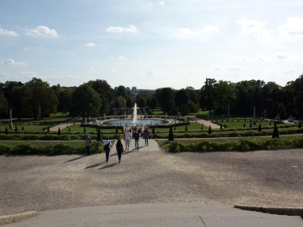 Brunnen und Weinreben Park Sans Souci Potsdam