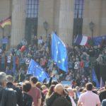 EU Fahnen Pulse of Europe Demo Berlin