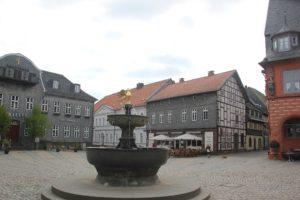 Marktplatz und Brunnen Goslar