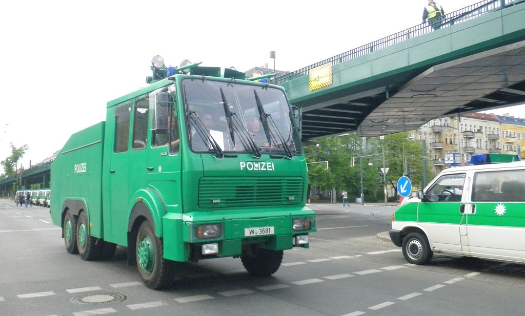 Wasserwerfer Polizei