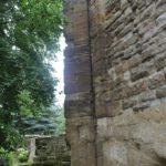Mauern Reste des Klosters Memleben