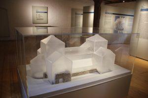 Modell Monumentale Marienkirche 10 Jahrhundert Memleben
