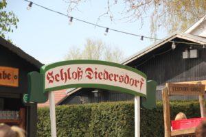 Schloss Diedersdorf Schild