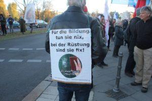 Aufstehen Demonstrant SPD CDU 3