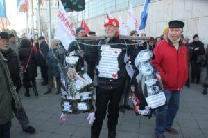 Aufstehen Demonstrant SPD CDU
