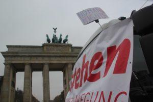 Aufstehen Kundgebung Brandenburger Tor