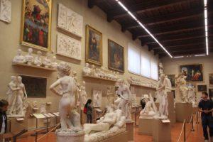 25 Skulpturen Galleria dell'Accademia Florenz