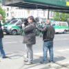 Journalisten-bei-der-Berichterstattung